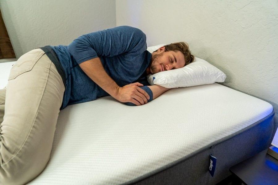 Casper Standard pillow Review Side Sleeper Example