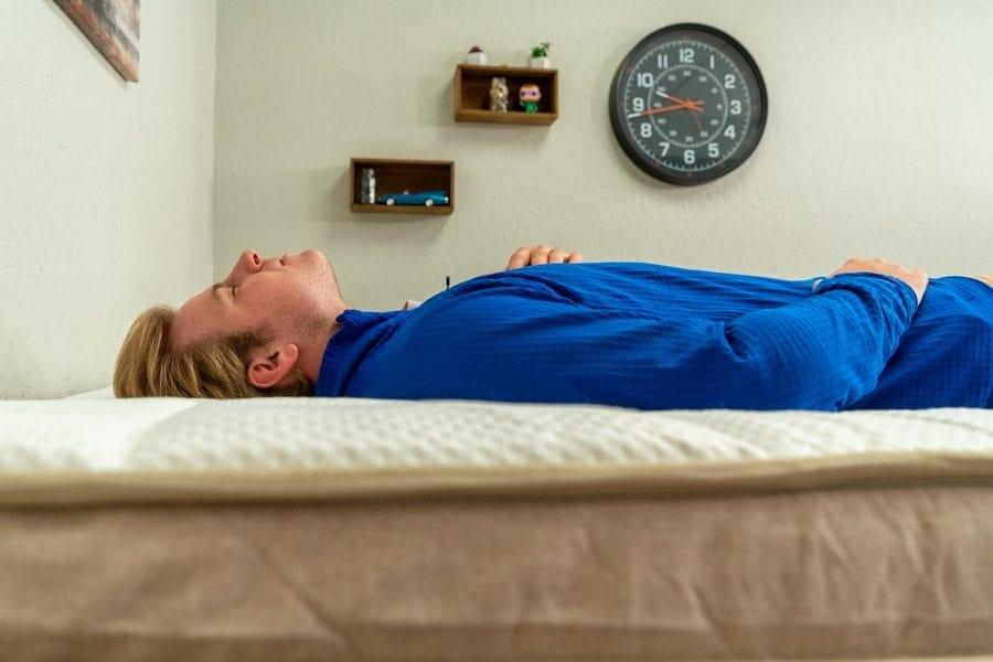 dreamcloud mattress review back sleeper