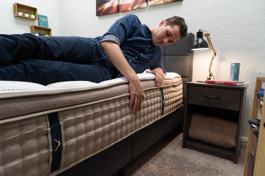 dreamcloud mattress review edge support