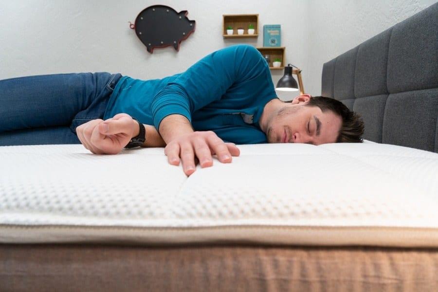 dreamcloud mattress review side sleeper