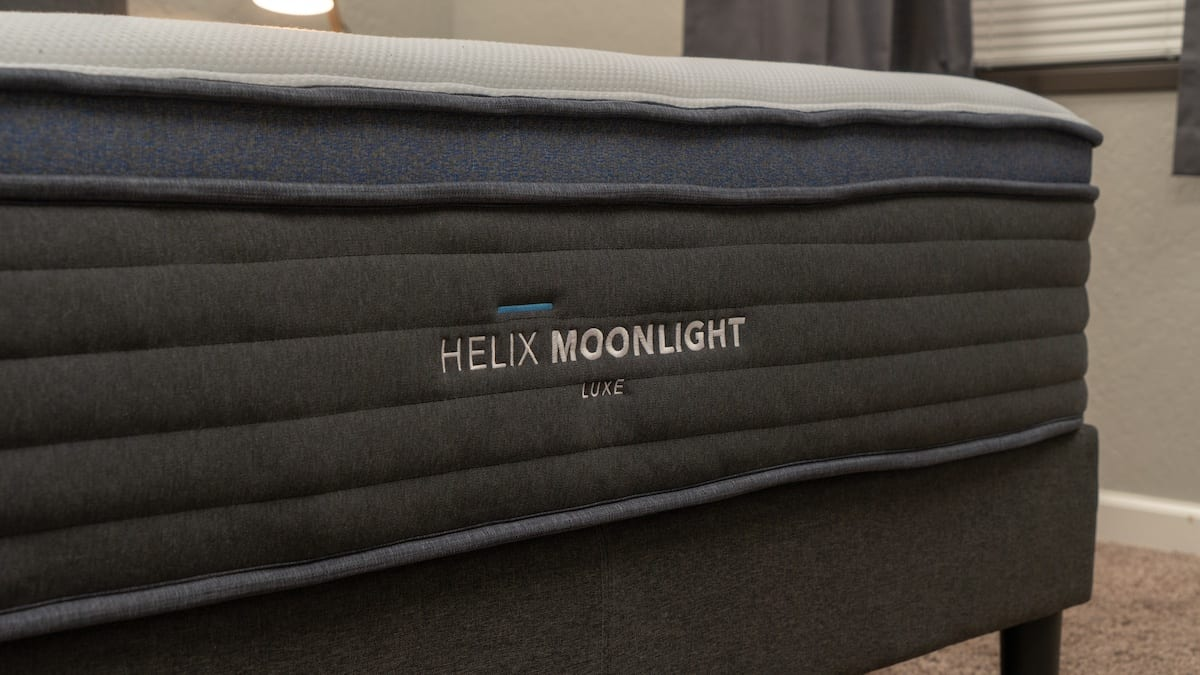 helix luxe mattress review moonlight