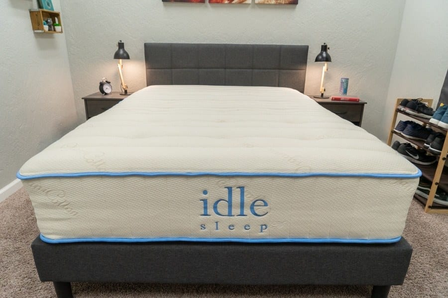Idle Sleep Latex Hybrid Mattress Overview Shot