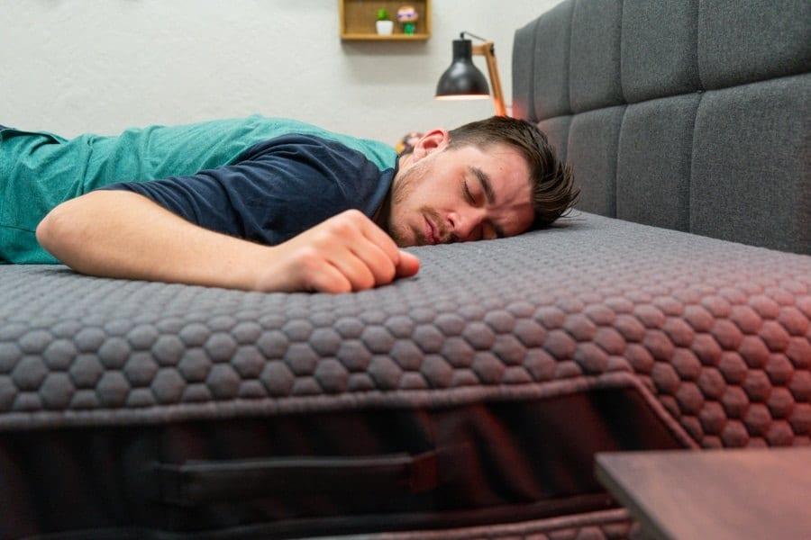 layla hybrid mattress review stomach sleeper
