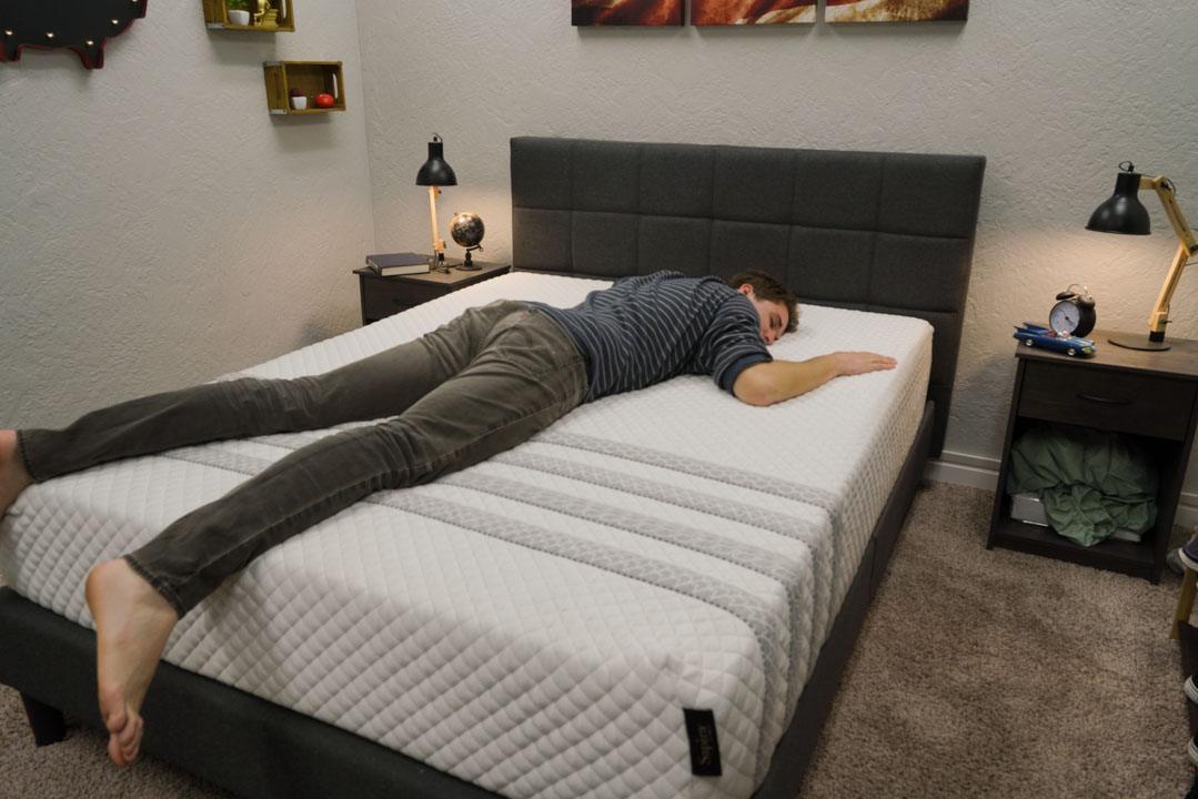 leesa sapira mattress review stomach sleepers