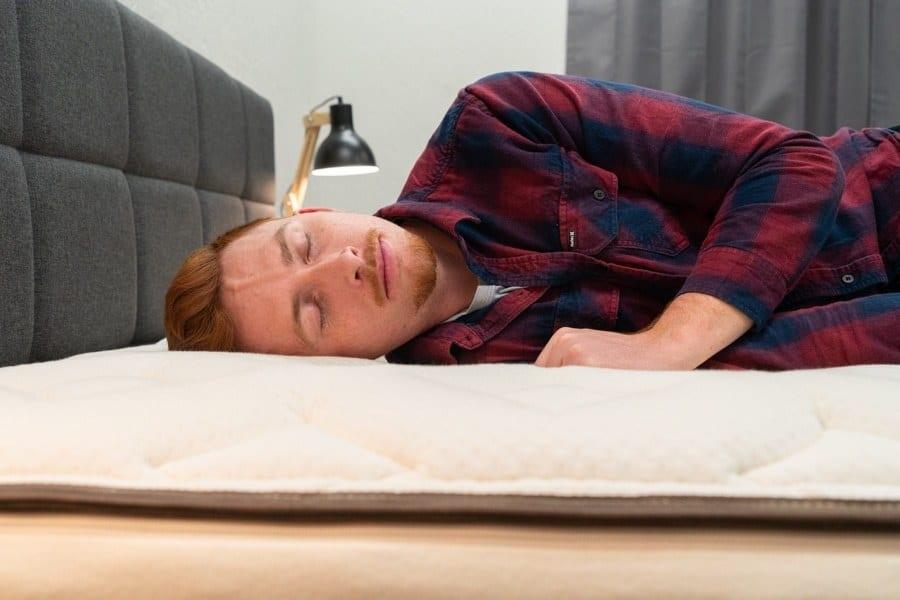 Nest Bedding Latex Hybrid Mattress Side Sleeper