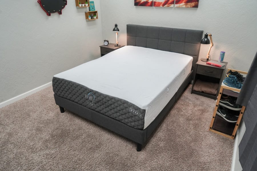 Puffy Lux Hybrid Mattress Review