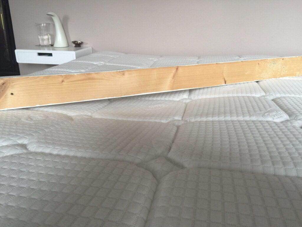 sagging mattress